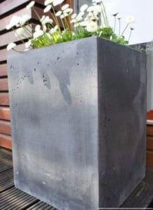 donica beton architektoniczny pmdesign 80x40x40 odlew2 219x300 - O donicach betonowych słów kilka