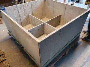 duża donica pmdesign 300x225 - O donicach betonowych słów kilka